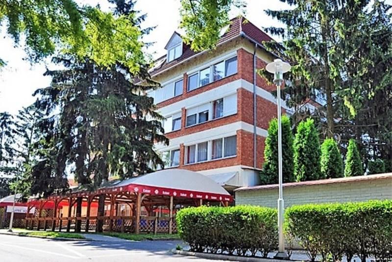 Hotelul